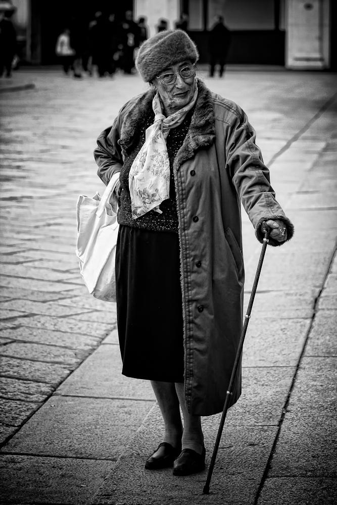 Ritratto di donna con bastone